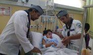 رواد كشافة المجمعة يزورون أطفال مصابين فقدوا والديهم وأشقائهم