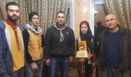 مجموعة عائدون الكشفية تكرم الطالبة المبدعة أمل محمد شوابكة